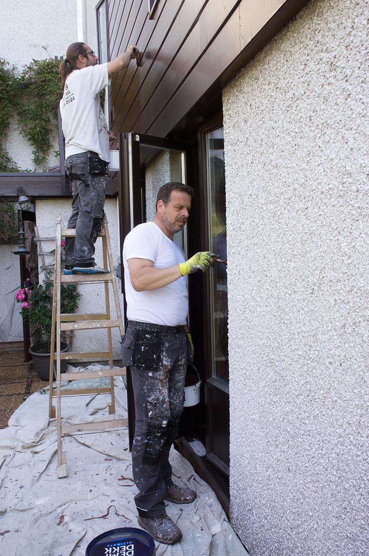Bert's Decorating exterior painting team